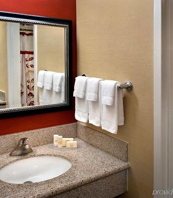 Courtyard By Marriott Fishkill photos Room