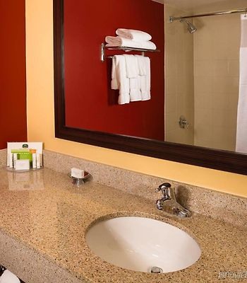 Courtyard By Marriott Fort Lauderdale North/Cypress Creek photos Room