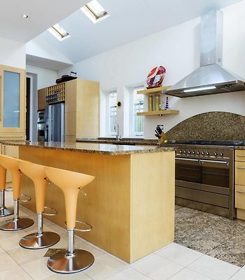 Veeve  4 Bedroom Edwardian Home On Airedale Avenue Chiswick photos Exterior