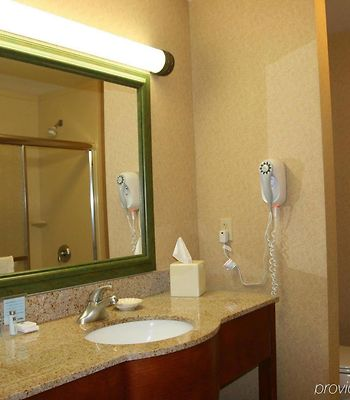 Hampton Inn Dover photos Room