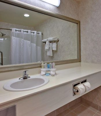 Holiday Inn Express Hotel & Suites Lethbridge photos Room
