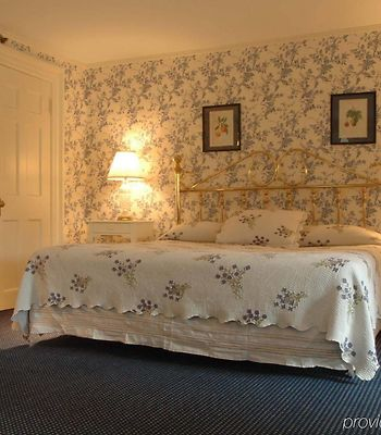 The Roger Sherman Inn photos Room