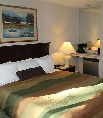 Ramada Limited Vancouver Airport photos Room