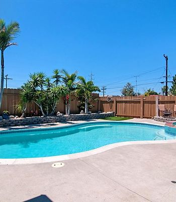 Poolside Central With Spa photos Exterior Poolside Central with Spa