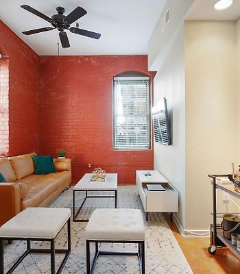 Three-Bedroom, Two-Bath Industrial Apt In Nola C.B.D. photos Exterior