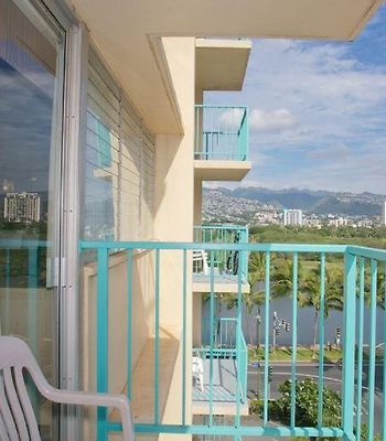 Aloha Surf #711 - Sleeps 4, W/ Kitchenette & Balcony photos Exterior