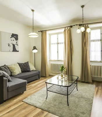 Old Town Apartment III Ideal For Groups Or Families By Easybnb photos Exterior