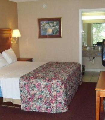 Days Inn San Antonio Splashtown/Att Center photos Room
