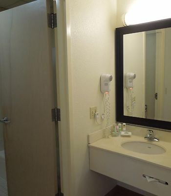 Country Inn & Suites By Radisson, Port Clinton, Oh photos Room