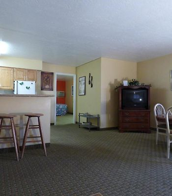 Coronada Inn And Suites photos Room