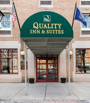 Quality Inn & Suites Shippen Place Hotel photos Exterior Quality Inn & Suites Shippen Place Hotel