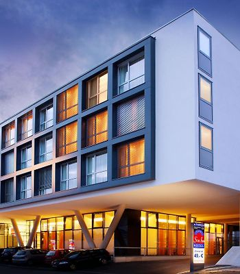 Star Inn Hotel Salzburg Airport-Messe, By Comfort photos Exterior Star Inn Hotel Salzburg Airport-Messe, by Comfort