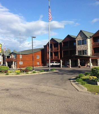Super 8 By Wyndham Bridgeview Of Mackinaw City photos Exterior Hotel information