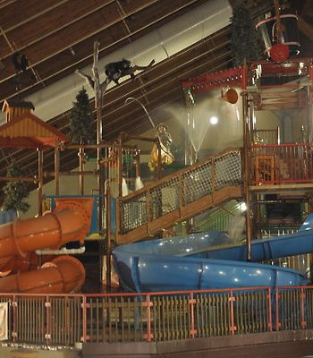Six Flags Great Escape Lodge & Indoor Waterpark photos Exterior Hotel information
