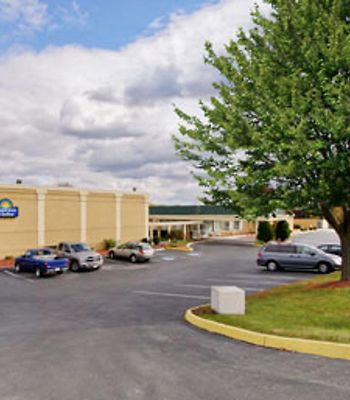 Days Inn & Suites York photos Exterior Hotel information