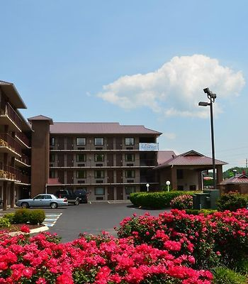 Baymont Inn & Suites Pigeon Forge photos Exterior Baymont Inn and Suites Pigeon Forge