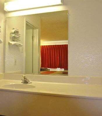 Motel 6 Little Rock North photos Interior Standard Bath