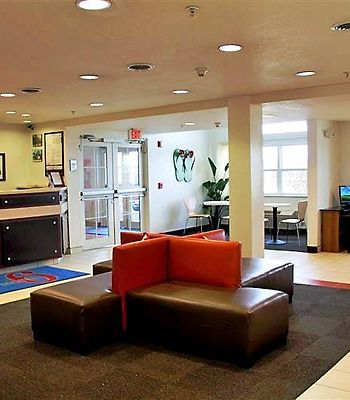 Motel 6 Sandusky-Huron photos Interior Lobby view