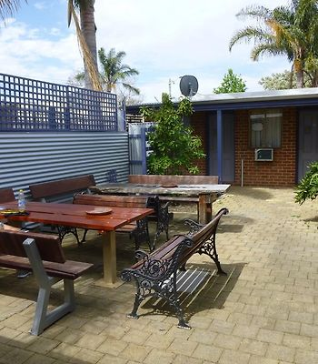 Coolibah Lodge Backpackers photos Exterior Hotel information