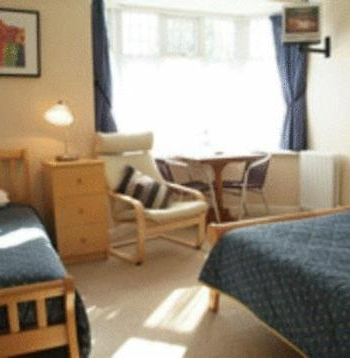 Gatwick House Guest House photos Room Triple Room