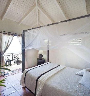 Keyonna Beach photos Room Room with traditional four poster bed