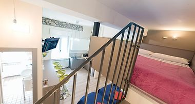 LOFT BED - FEEL THE PLACE VERONA (Italy) - from US$ 85 | BOOKED