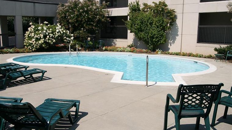 Hampton Inn Roanoke-Airport Facilities Pool