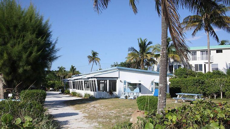 Tropical Winds Hotel And Cottages Exterior