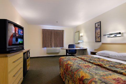 °HOTEL RED ROOF INN TULSA, OK 2* (United States)   From US$ 59 | BOOKED