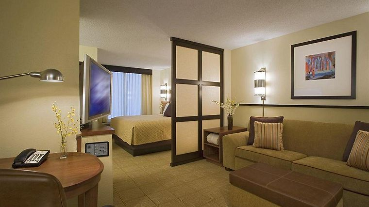 Hyatt Place Bush Intercontinental Airport Room