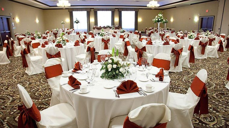 Hotel Holiday Inn Gurnee Convention Center Il 3 United States From Us 150 Booked