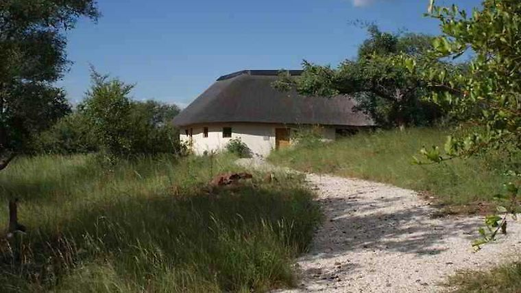 Mbizi Bush Lodge Exterior