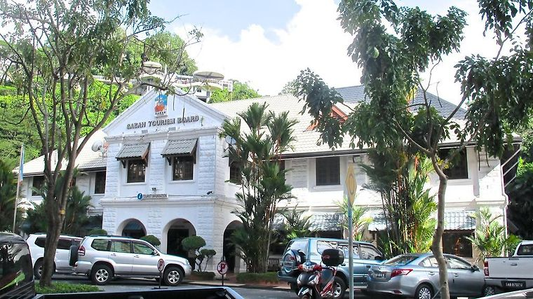 Akinabalu Youth Hostel Exterior Hotel information