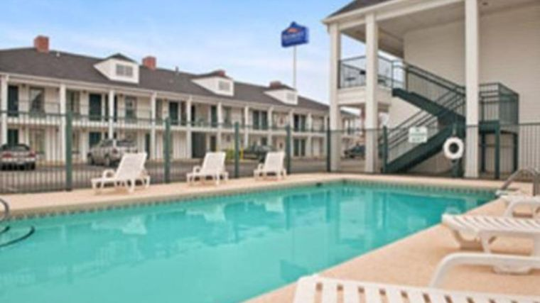 Baymont Inn & Suites Roanoke Rapids Exterior Hotel information