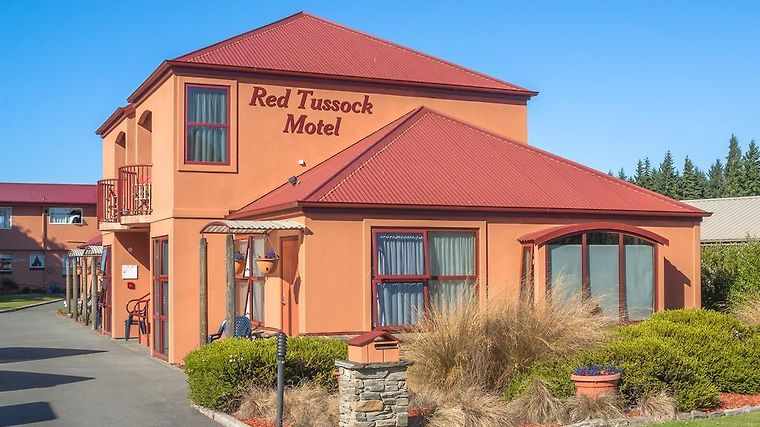 Red Tussock Motel Exterior Red Tussock Motel