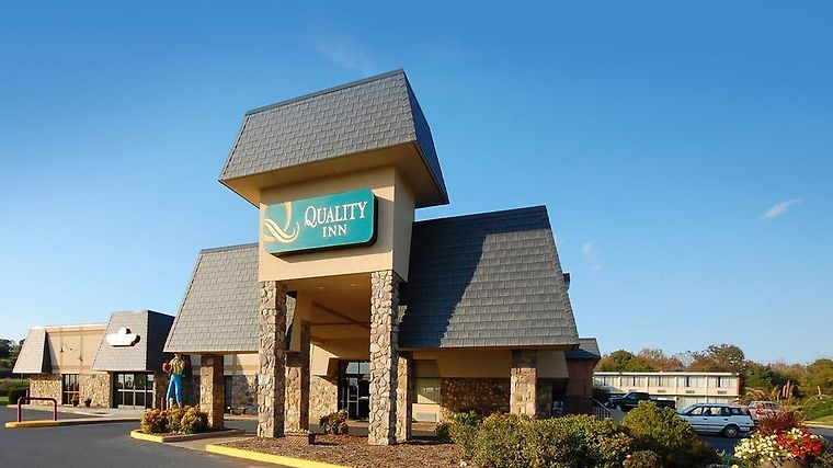 Quality Inn Shenandoah Valley Exterior Hotel information
