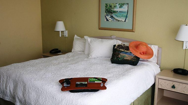 Hampton Inn & Suites Islamorada Room