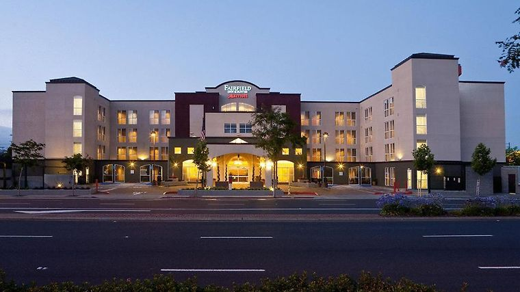 Fairfield Inn & Suites San Francisco Airport/Millbrae Exterior Fairfield Inn - Suites by Marriott San Francisco Airport