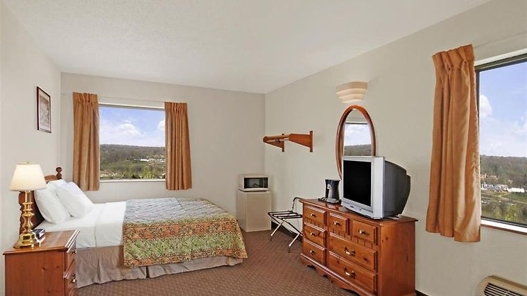 Americas Best Value Inn And Suites Cabool Room Single Queen Suite