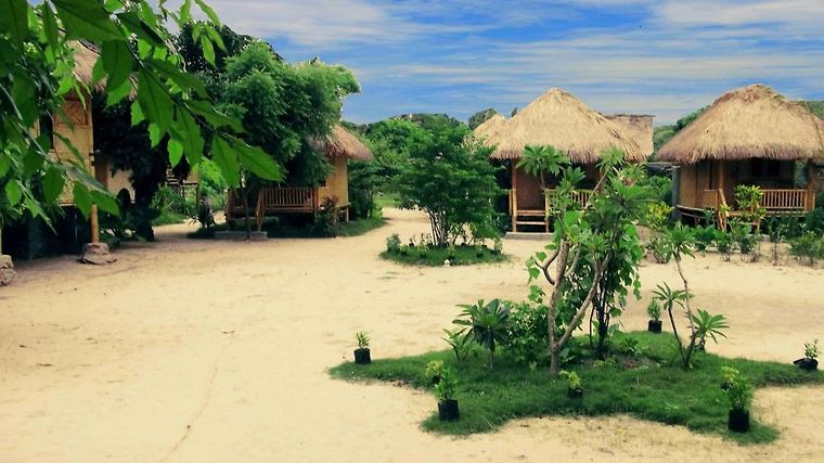 Bumbangku Beach Cottage Exterior Photo album