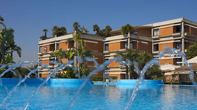 Sheraton Catania Hotel & Conference Center Exterior