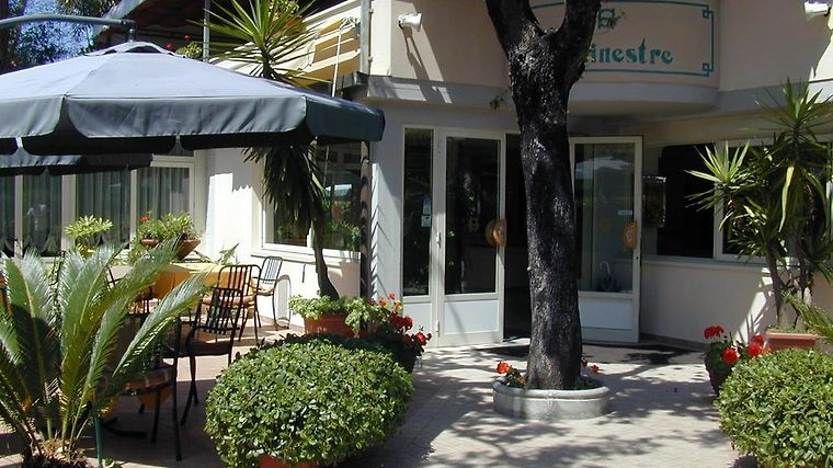 Le Ginestre Exterior Hotel information