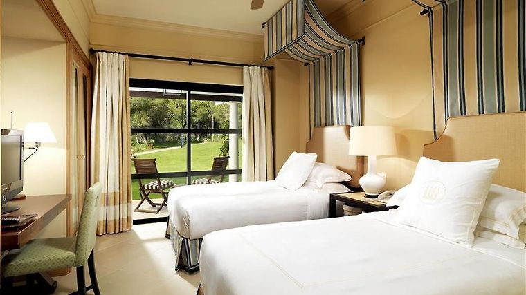 Pine Cliffs Residence, A Luxury Collection Resort Room Guestroom