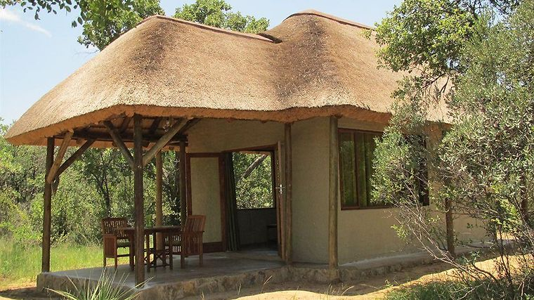 Ama Amanzi Game Lodge Exterior