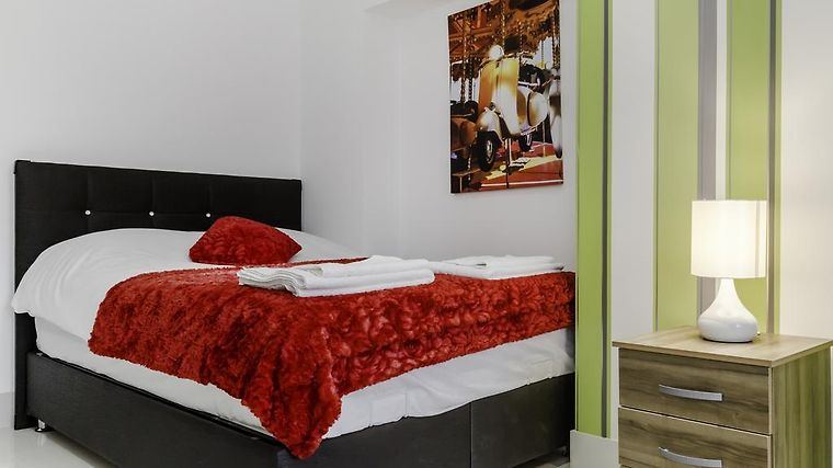 City Gate Serviced Apartments Room