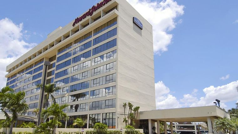 Holiday Inn Miami West Exterior Hotel information