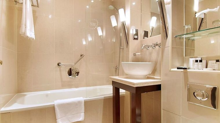 Shaftesbury Premier Notting Hill Hyde Park Room Bathroom Image