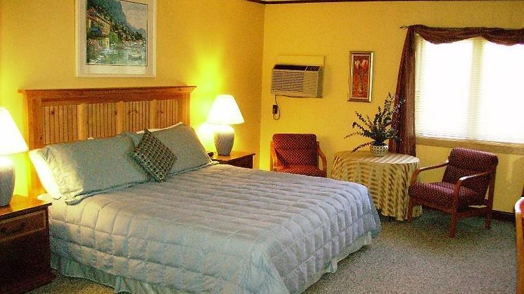 Cape Pines Motel Room Guest Room