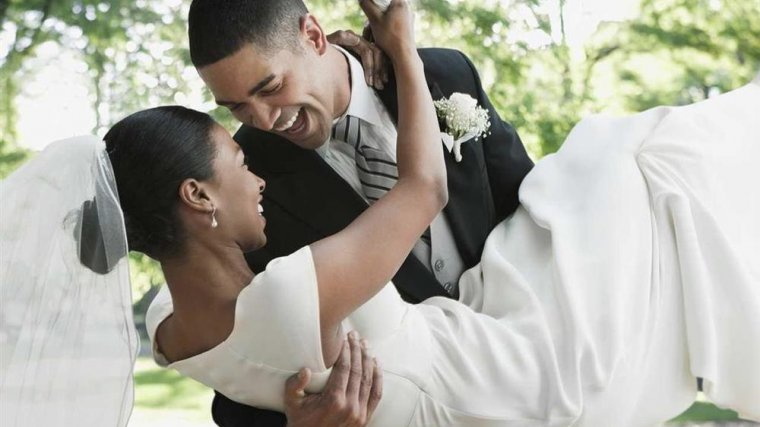 Hilton Garden Inn Benton Harbor photos Room Groom holding bride