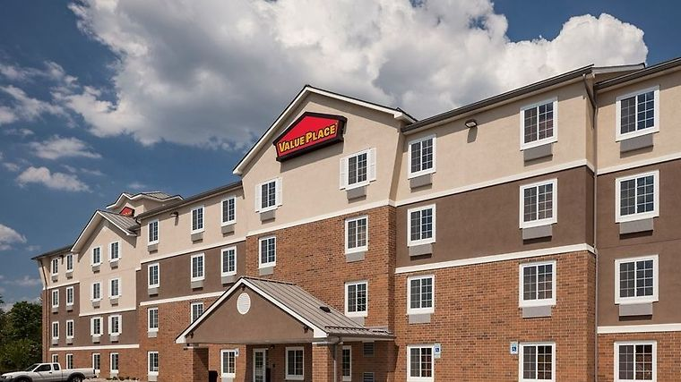 Woodspring Suites Louisville J photos Exterior ExtThreeQuartersDay